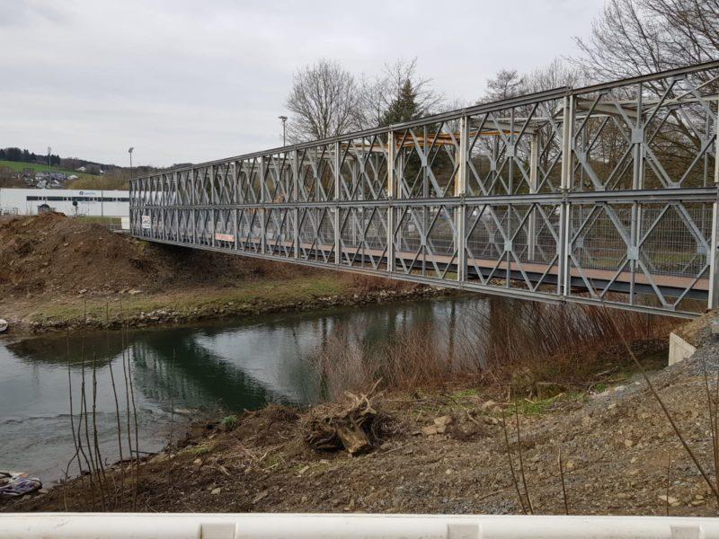 20 3 19 Errichtung der Fußgänger- und Fahradbrücke