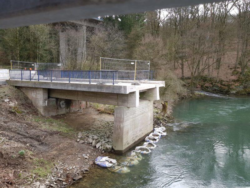 20 3 19 Abriß der alten Brücke zum Schlingenbach